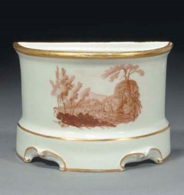 A Pinxton Bough pot
