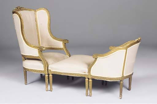A FRENCH GILTWOOD AND GESSO DU