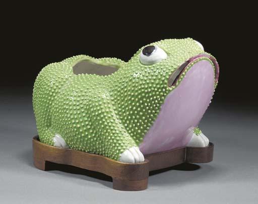 A Chinese porcelain censer, 19
