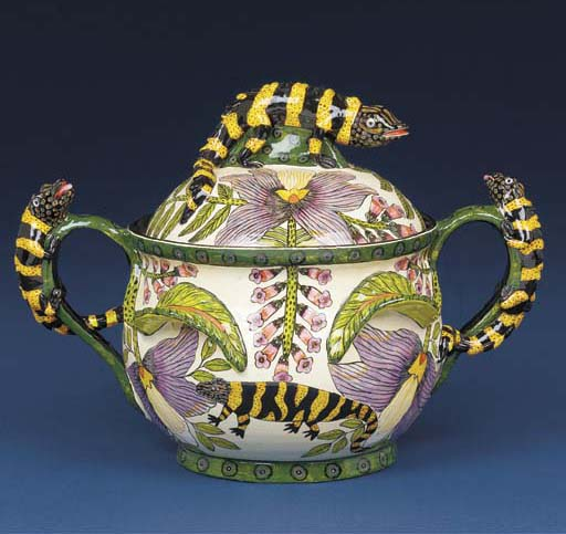 A lizard tureen and cover