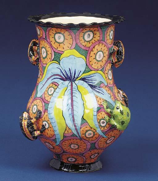 A frog vase
