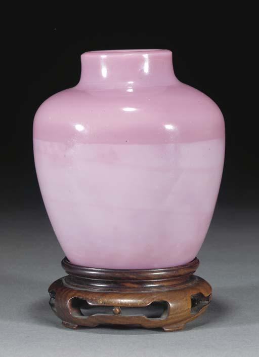A Peking mottled pink glass ja