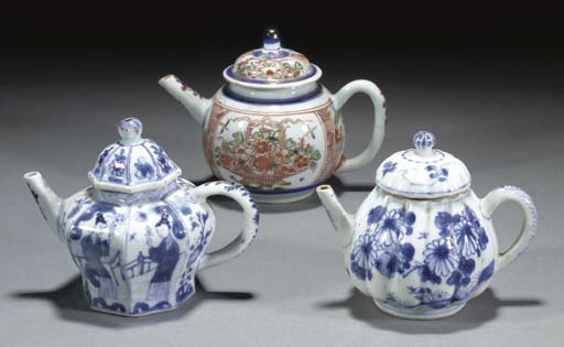 Two Chinese blue and white sha