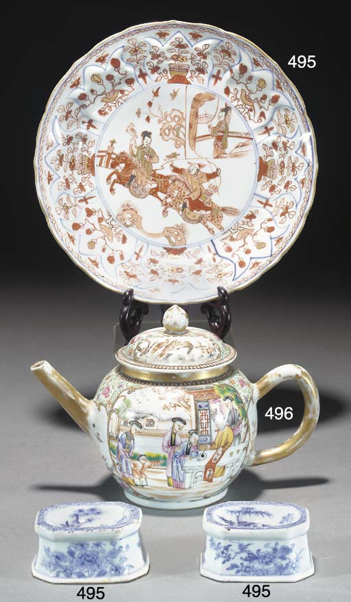 A Chinese famiile rose teapot