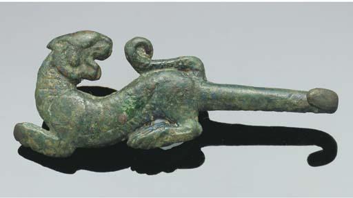 A Chinese bronze belt-hook, Wa