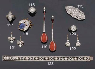 A pair of diamond earpendants,