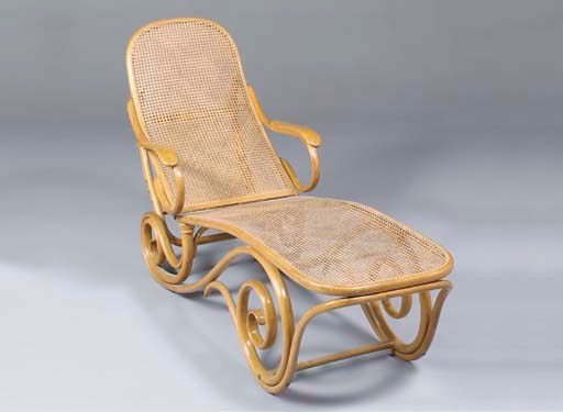A BENTWOOD DAYBED
