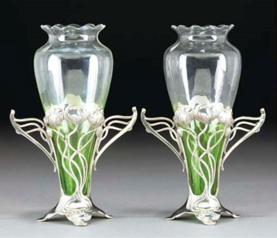 A PAIR OF TWIN-HANDLED SILVERE