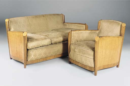 A BURR-MAPLE FIVE-PIECE LOUNGE