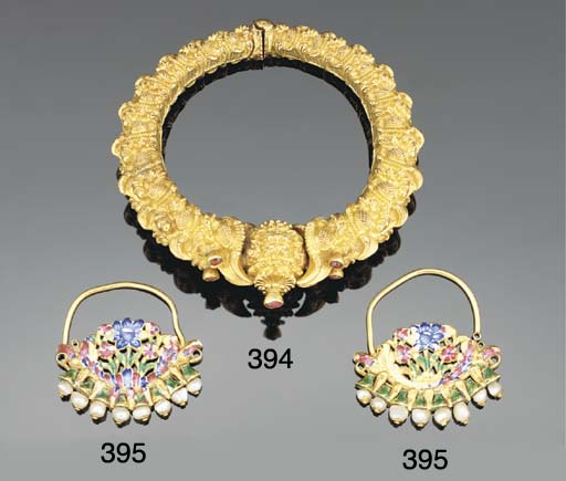 A South-Indian gold inset brac