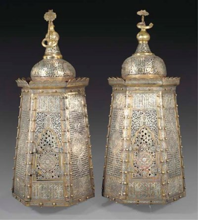A pair of large Cairoware lant