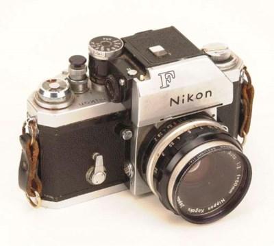 Nikon F no. 6890619