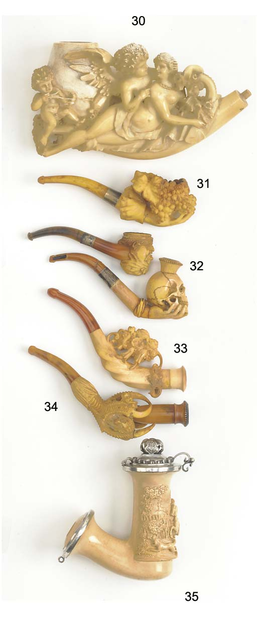 A group of Meerschaum pipes