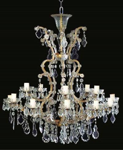 A glass sixteeen light chandel