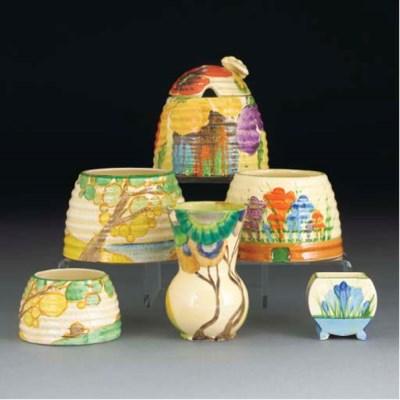 A Delecia Pansy Honey Pot and