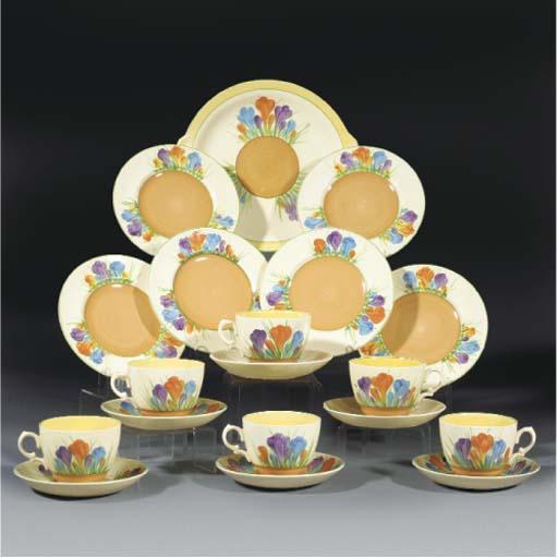 A Crocus Globe Tea Service