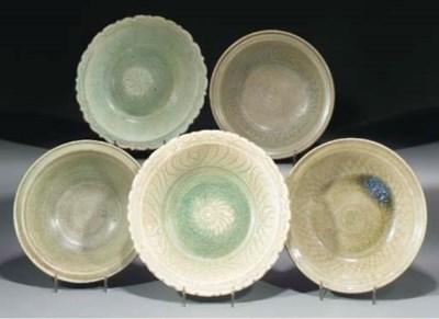 Five Thai celedon glazed bowls