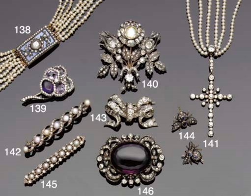 An early 19th century pearl ne