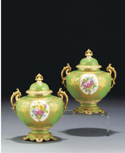 A pair of Royal Crown Derby gr