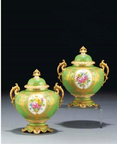 A pair of Royal Crown Derby gr