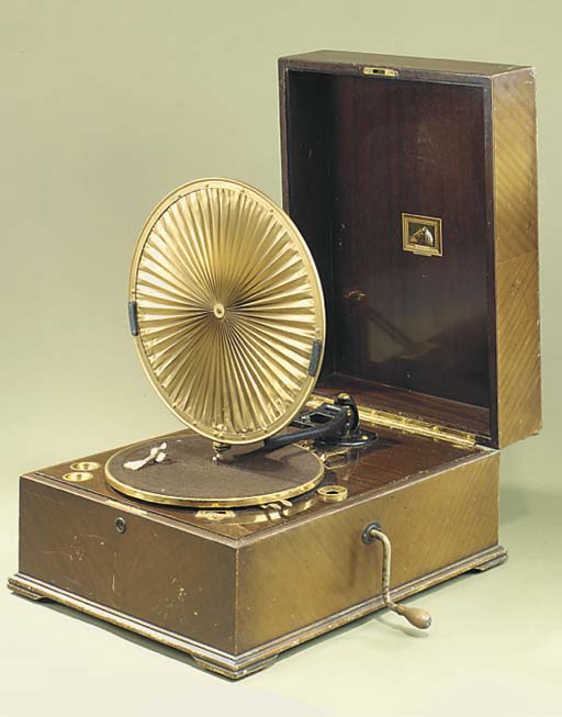 An HMV Model 460 Pleated Diaph
