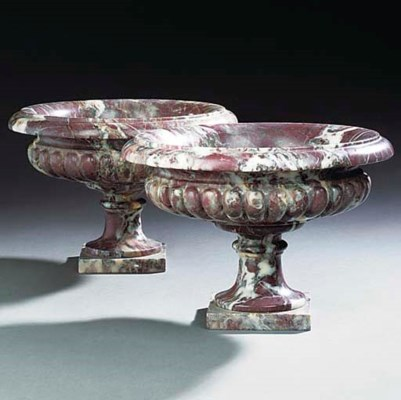 A PAIR OF MARBLE TAZZA