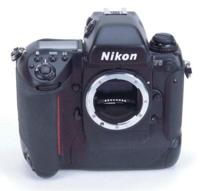 Nikon F5 no. 3001503