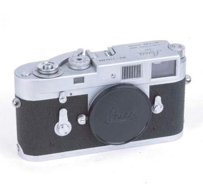 Leica M2 no. 1143052