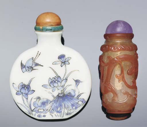 An enamelled glass snuff bottl