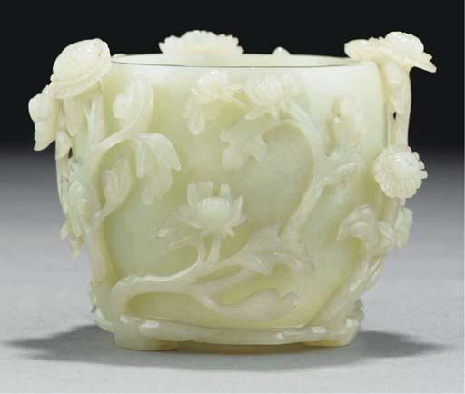 A pale celadon jade jar, 18th