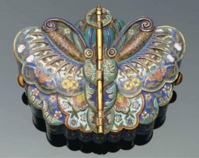 A cloisonne butterfly box, 18t