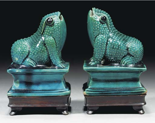 A pair of turquoise glazed models of toads, Kangxi