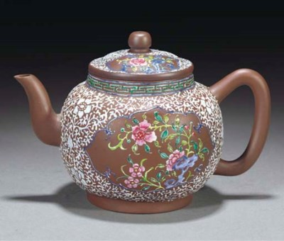 An enamelled yixing teapot, Qi