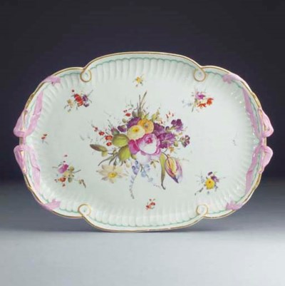 A Hague-decorated lobed oval t