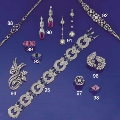 A sapphire and diamond bracele