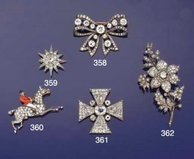 A Victorian diamond star brooc
