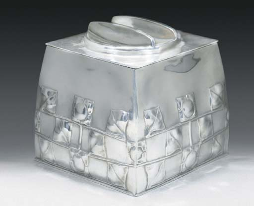 A Tudric Pewter Biscuit Box
