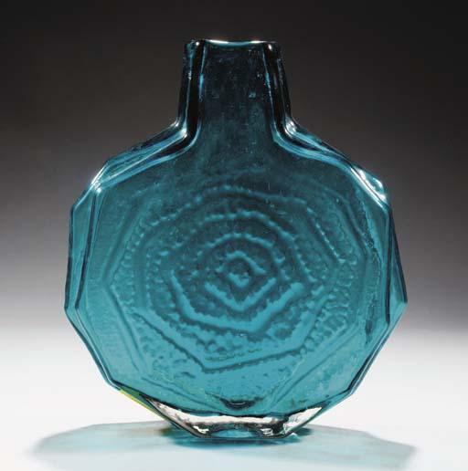 A Kingfisher Banjo 9681 Vase
