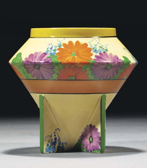 A Gayday Vase Shape 400