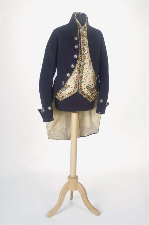 A gentleman's ensemble, compri