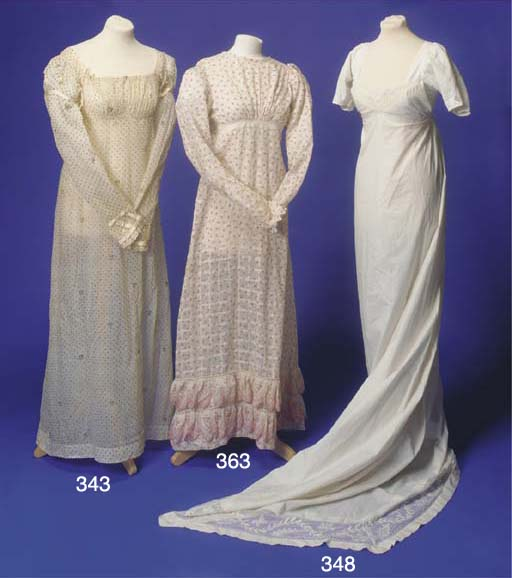 A lady's day dress of white mu
