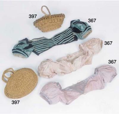 A lady's straw-work handbag, o