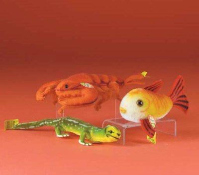 A Steiff Lizzy lizard
