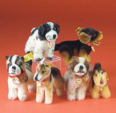 Steiff dogs