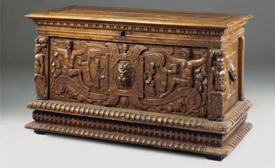 A LARGE FRENCH OAK CHEST