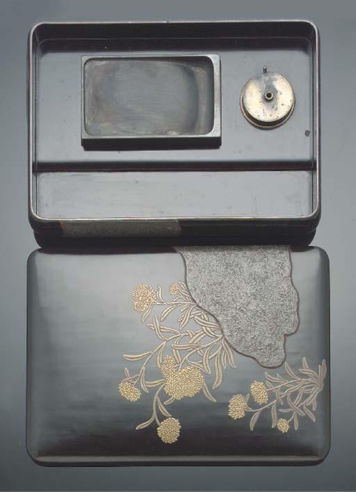 A Japanese black lacquer suzur
