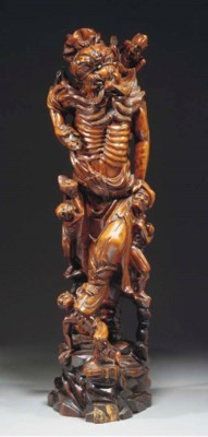 A large Chinese wood carving o