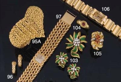 A Lady's bracelet watch by Gir