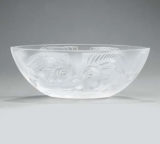 A Lalique clear and frosted gl