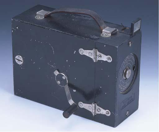 Victor ciné camera no. 130